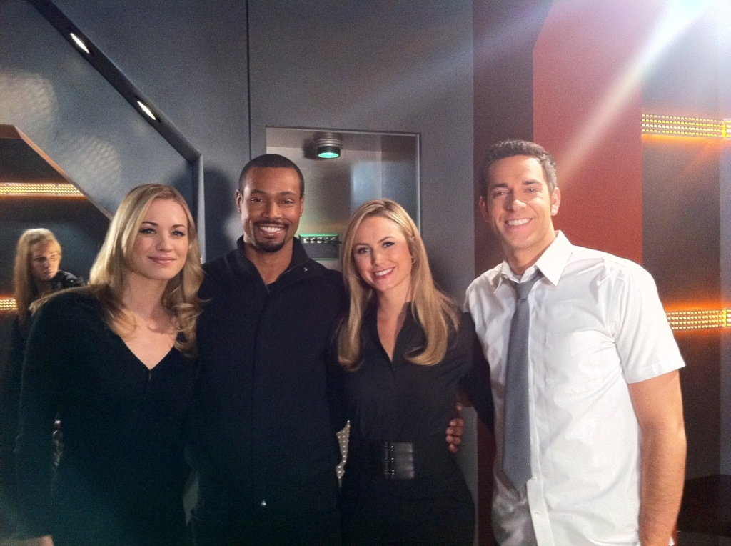 Yvonne Strahovski, Isaiah Mustafa, Stacy Keibler, & Zachary levi on the set of Chuck
