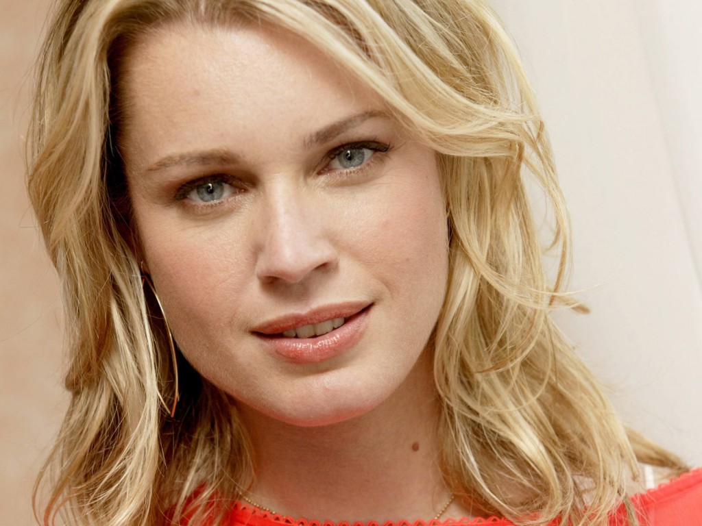 VIDEO: Rebecca Romijn Teases Her Appearance on Chuck