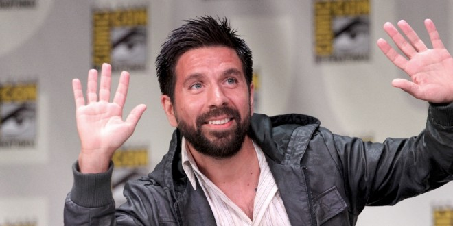 Joshua Gomez to Guest Star on THE CRAZY ONES