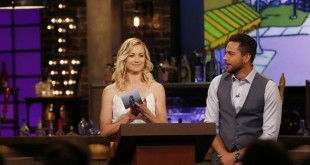 "GEEKS WHO DRINK -- ""Rob Kazinsky VS. Dominic Monaghan"" Episode 104 -- Pictured: (l-r) Yvonne Strahovski, Zachary Levi -- (Photo by: Carol Kaelson/Syfy)"